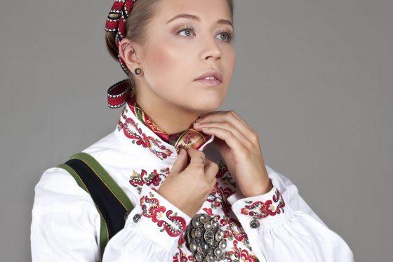 Almankås Øst Telemark damebunad