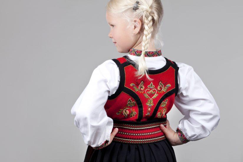 Almankås Øst-Telemark jente