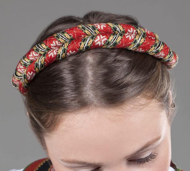 Dame med Vest-Telemark hårvippe