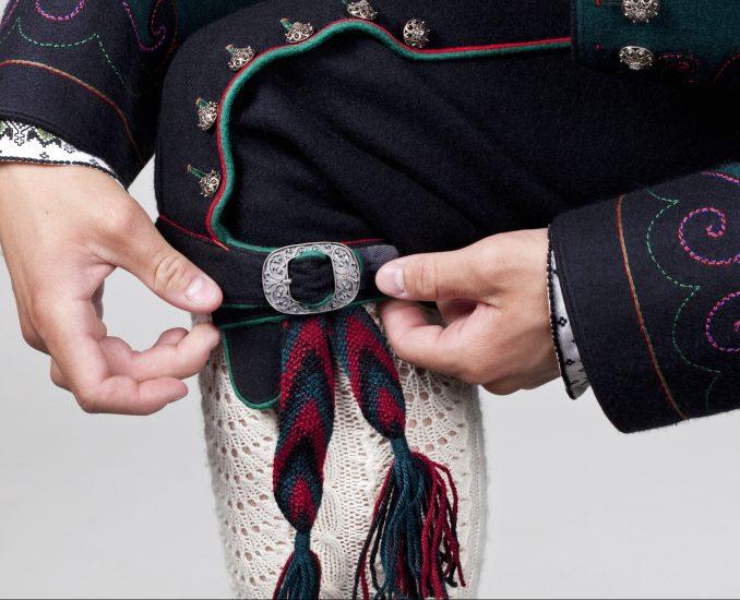 Almankås Øst-Telemark herrebunad med nikkers